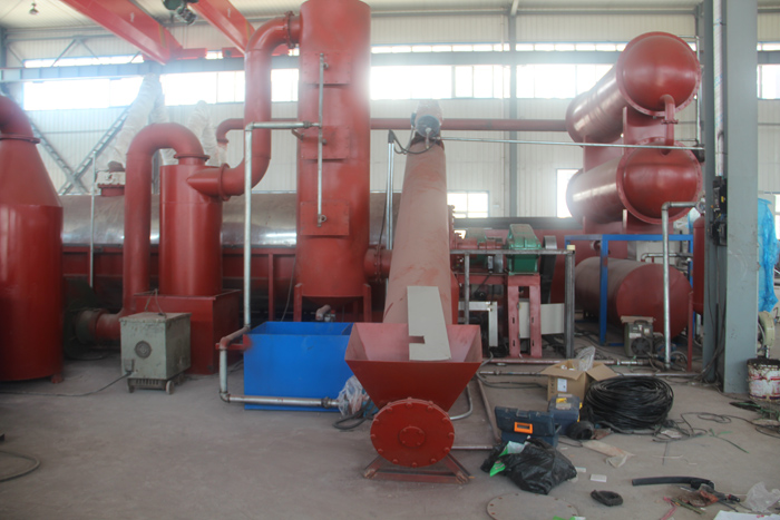 Automatic continuous plastic pyrolysis plant