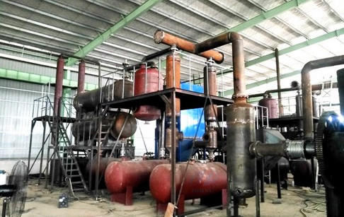 6 sets 12T/D waste tyre pyrolysis plants running well in Hunan