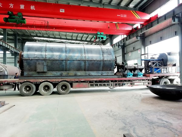 2 sets 10 t/d used tyre pyrolysis plants delivery to yunnan