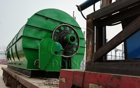 2 sets 10T/D waste tyre pyrolysis to oil machines delivered to Liaoning, China