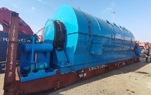 12T plastic pyrolysis plant was loaded for delivery to France