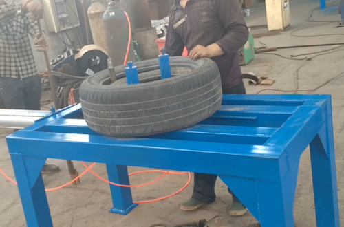 The tyre doubling & unpacking machine runing video